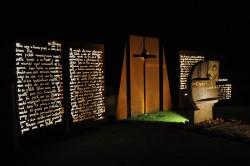 Svelato il nuovo monumento a don Antonio Seghezzi